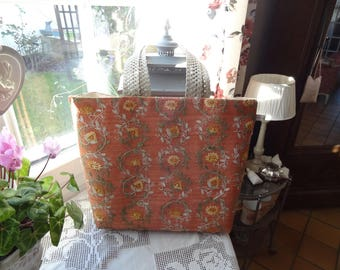 Great practical and chic embroidered linen bag