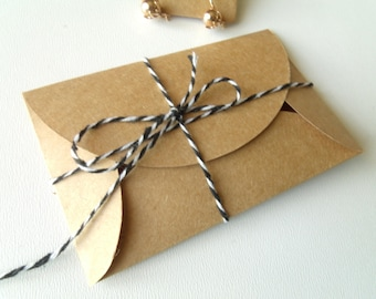 10 gifts 5.8 cm * 9 cm Kraft paper envelopes