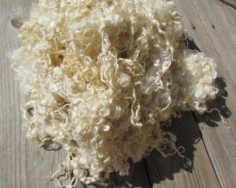 Wensleydale Locks Natural ivory lamb wool - 2 oz