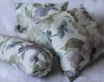 Floral filled cushions set