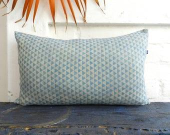 Indigo Pillow light Blue geometric Triangle Pattern Oatmeal Cushion german vintage Linen hand dyed Katazome 30x50 cm 12x20 inches