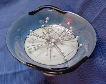 """Sewing """"Buddy"""" Magnetic dish on stand"""