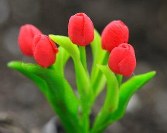 Miniature Red Tulip Flower Glass Terrarium Filler Hand Made Clay Plant Scale 1:12 Terrarium Supplies Jewelry Supplies