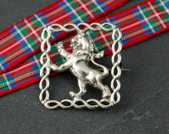 Scottish lion rampant brooch silver vintage scarf pin, heraldry of Scotland, 1940s jewellery, king of beasts plaid pin