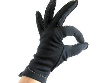 Vintage Gloves in Black with Contrasting Top Stitching Detail Decoration / Van Raalte Gloves / Size 7