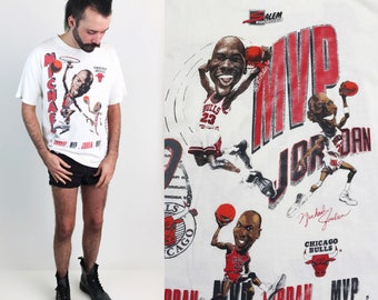 Chicago Bulls 90's Michael Jordan T-shirt Medium-  1991 NBA Basketball Michael Jordan All Over Print Thin Soft White Tee Shirt