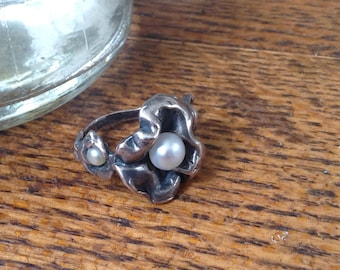 Vintage Sterling and pearl ring , size 7