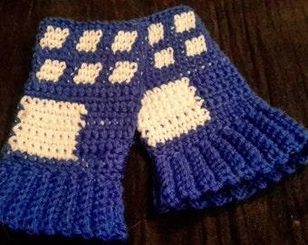 Crochet Tardis inspired fingerless gloves