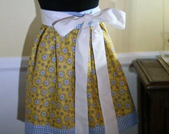 Sunshine and hearts girlie half apron