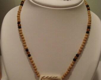 Easy to wear costume jewelery set