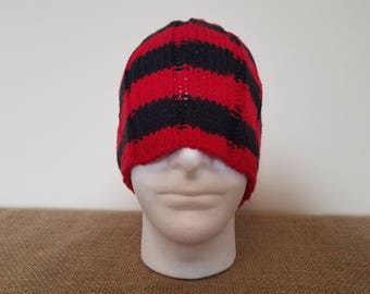 Red & black ribbed beanie hat, Size large
