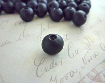 Round Wooden Beads - BLACK - 10mm - Pack of 20