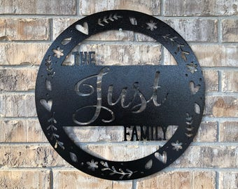 Custom Round Metal Last Name Door Hanger/Metal Wall Decor/Metal Wall Hanging/Birthday/Wedding/Anniversary/Housewarming Gift