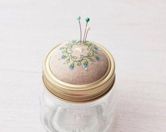 Pin cushion jar pincushion needle cushion