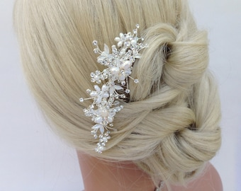 Crystal And Freshwater Pearl Bridal Hair Comb / Swarovski Crystals /  Pearl Wedding Comb /  Crystal Hair Comb /  Silver Bridal Hair Piece