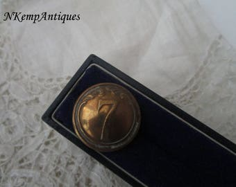 Antique button 1890 for the collector