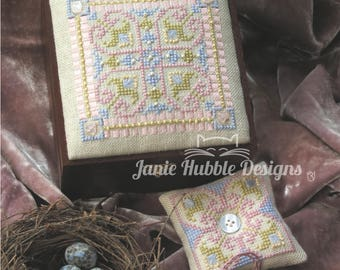 Queen Anne's Lace Sewing Box Top and Accessories Pattern