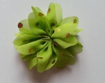 fleur verte  à pois doré     80mm