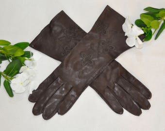 Brown Gloves with Floral Sewn Pattern