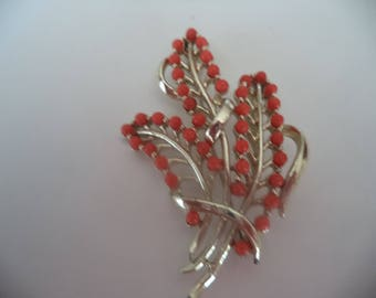 Fabulous Vintage Unsigned Silvertone/Faux Coral Leaves Brooch/Pin