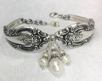 """Spoon Bracelet, White Freshwater Pearls, Silverware Bracelet, Spoon Jewelry """"Silver Artistry"""" 1965"""