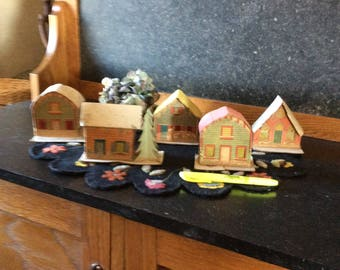 Vintage matching Putz village pieces
