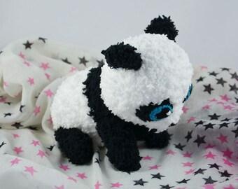 superniedlicher, gehäkelter Baby-Pandabär