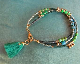 Fringe bracelet. Gypsy Bracelet. Boho chic Bracelet. Boho chic Jewelry. Natural stone bracelet and glass beads. Boho chic bracelet.