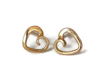 Tiny Heart Stud Earrings in 18k Gold - tiny post earrings, heart jewelry, gift for her, romantic gift, rose gold, yellow gold,