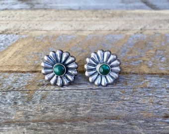Sterling Silver Flower Screw Back Earrings with Green Stone Centers / Daisy / Vintage