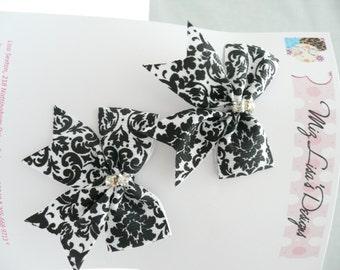 nhb-Small Black and White Damask Print Hair Bow Set w Rhinestones