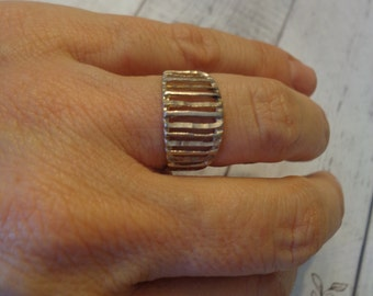 925 Sterling Silver Band Ring w/ Laser Cut Columns, Size 7, Unisex Sterling Ring, Rustic Jewelry