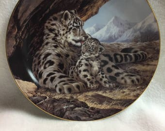 W.L. George Last of Their Kind: The Endangered Species Collector Plate - 'The Snow Leopard' (#143)