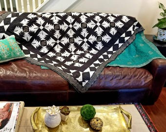 Reversible Summer Patchwork Quilt| Boho quilt|Black and white gypsy farmhouse quilt|Boho bedding | Twin Quilt, Sofa Throw, Single Bed Quilt