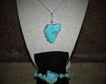 Turquoise howlite necklace and bracelet sets