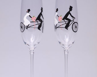 Hand painted Decoration Wedding Toasting Flutes Set of 2 Personalized Champagne glasses Groom and Bride on Vintage Bicycle