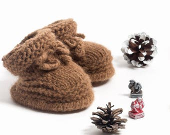 Baby booties made from organic wool - brown camel