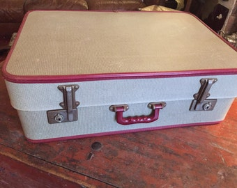 Gorgeous Vintage 'Tweed' Extending Suitcase.