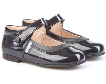 Girl's Patent Mary Janes, Navy Mary Jane, Mary Jane,Girl's  shoes, Toodler shoes, toodler mary janes, easy open