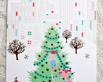 Hallmark Christmas Card - Decorating Tree in City Park - Unused