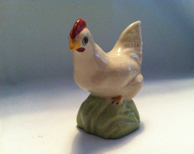 Vintage porcelain bird hen decoration