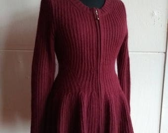 Vintage 50s/60s look bordeaux woollen  angora metal zipper and peplum pink purple wine fitted soft hairy knit cardigan EU S, US 6-8, UK 8-10