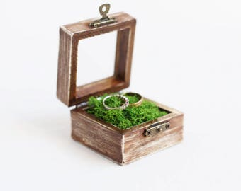 Rustic Wedding Ring Box With Moss - Glass Box, Ring Bearer Box, Wooden Wedding Box, Romantic Wedding, Shabby Chic, Wedding Ideas, Brown Box