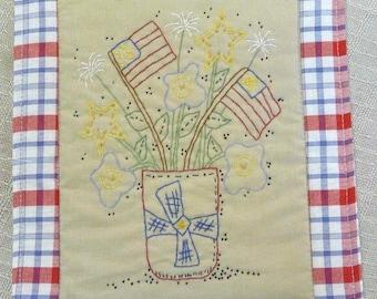 Patriotic Flower bouquet embroidery Pattern PDF -  quilt flag pillow