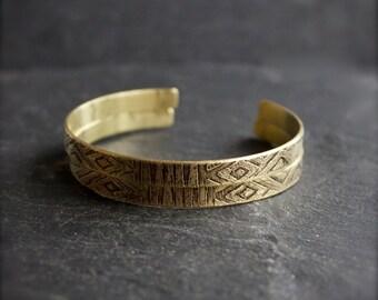 Thin Etched Brass Cuff Bracelet Set Dark Gold Brown Tribal Tapestry Metalwork Boho Jewellery