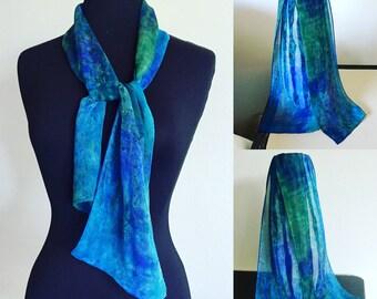 Mousseline de soie bleu vert foulard de peint à la main