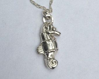 Silver seahorse necklace/solid silver seahorse/hallmarked silver seahorse/hand cast silver seahorse/vintage cast silver seahorse