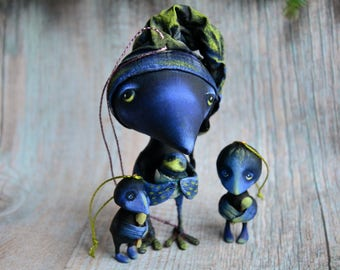 Сute crow's family | Daddy and fledglings |Bird papermashe |Bird figurine |Ooak toy |Set of fur-tree toys| Paperclay crow |Raven paper mache