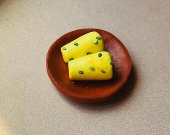 Dollhouse miniature food, Dollhouse Miniature Kulfi, 1:12 Scale, realistic looking polymer clay food