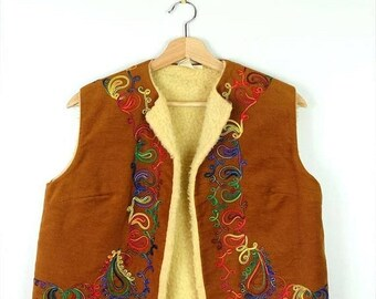 ON SALE Vintage Camel Brown  x Colorful embroideries bohemian Vest*